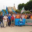 Sciopero nazionale per l'abolizione dell'art. 177 del codice degli appalti - Massiccia adesione dei lavoratori di igiene ambientale, in piazza davanti la Prefettura di Trapani